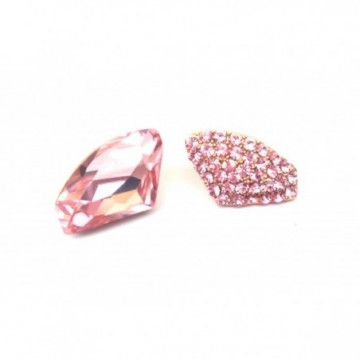 Fashionable pink solitaire...