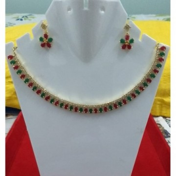 Red-Green Necklace Set