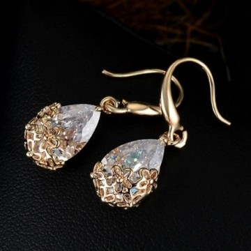 Classic golden crystal earings